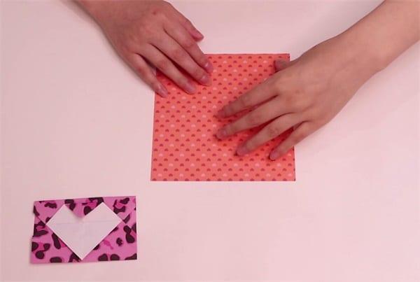 How to fold the love envelopenum
