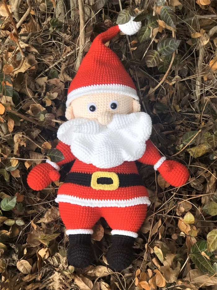 Santa Claus Knitting Dollnum